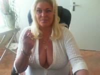 Bekijk de details van camgirl Yvonnehot (49 jaar)